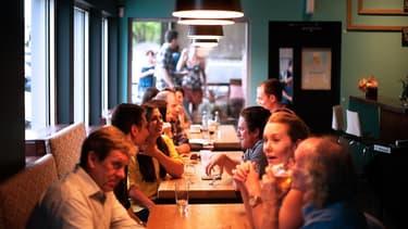 Random Lunch veut mettre à profit l'heure du déjeuner pour que les salariés aient l'occasion d'apprendre à se connaitre dans un cadre informel.