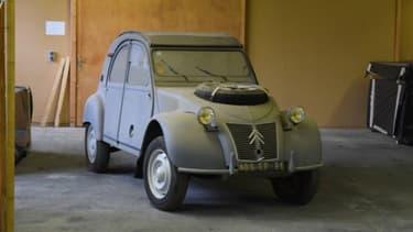 Cette 2CV Sahara de 1961 est la nouvelle ''Deuche'' la plus chère au monde. Elle a trouvé preneur pour 172.800 euros, un record.