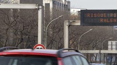 Le périphérique parisien avec moins de voitures, et plus d'arbres et de piétons, c'est l'idée de départ pour la réflexion sur son avenir, lancée par la Mairie de Paris.