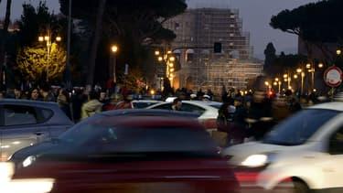 La circulation au coeur de Rome, pendant un pic de pollution, en 2015.