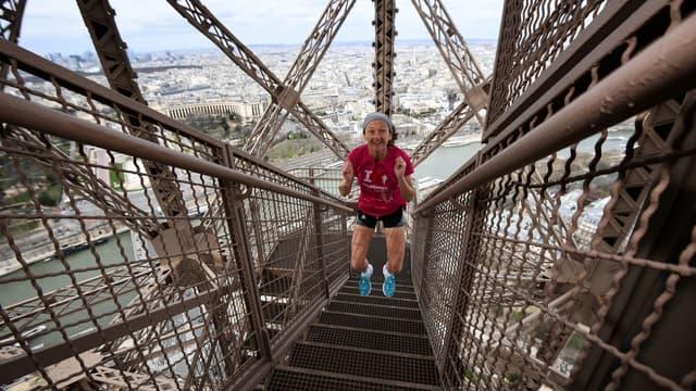 130 participants se sont réunis pour la Verticale de la Tour Eiffel