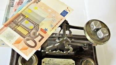 La charge de la dette était dans la loi de finance initiale évaluée à 46,3 milliards d'euros pour 2014.