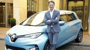 Le patron de la filiale allemande de Renault avec la Zoé.