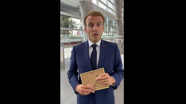 Emmanuel Macron dans un établissement scolaire de Marseille pour la rentrée des classes 2021.