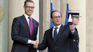 François Hollande, en compagnie du Premier ministre finlandais Alexander Stubb