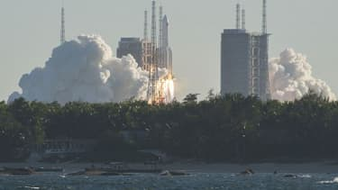 La fusée Longue-Marche 5B, dont c'était le vol inaugural, a décollé mardi de la base de Wenchang