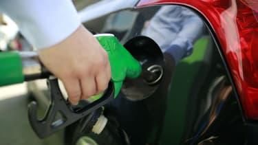 Les prix des carburants routiers vendus dans les stations-service françaises ont évolué en ordre dispersé la semaine dernière, le gazole poursuivant sa hausse, tandis que les essences ont baissé.