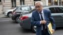 Le ministre du Travail, François Rebsamen, a annoncé 20 mesures pour aider les chômeurs de longue durée à retrouver le chemin de l'emploi.