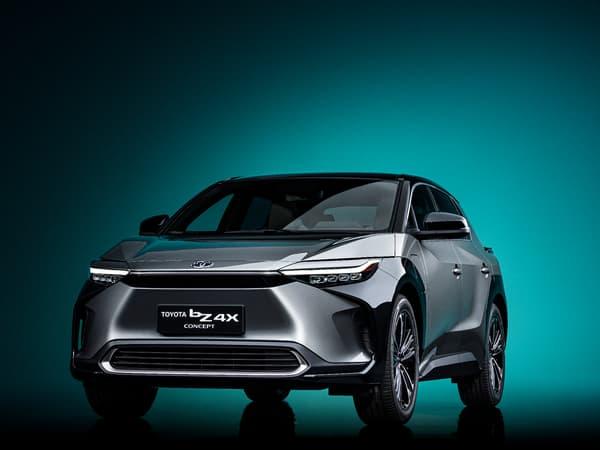 Développée sur une plateforme modulaire, ce SUV sera commercialisé mi 2022.
