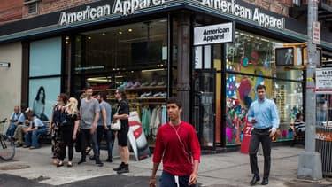 La marque American Apparel, dont l'un des arguments de vente est de produire toutes ses collection aux Etats-Unis, est en train de vivre un cauchemar américain