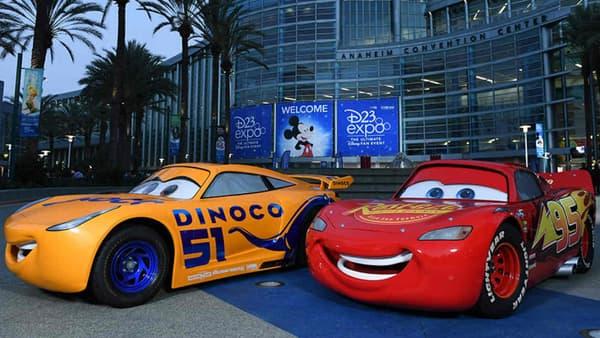 Les héros du film d'animation Cars, exposés lors de la convention D23.