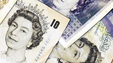 La monnaie britannique a dévissé à 1,3305 dollar ce vendredi matin.
