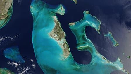 L'îlot se trouve au centre de l'archipel