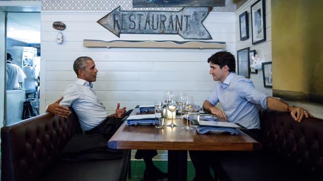 Barack Obama et Justin Trudeau dans un restaurant de Montréal, le 6 juin 2017.