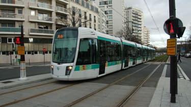 Le tramway à Paris.