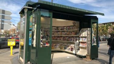 Un kiosque à Paris