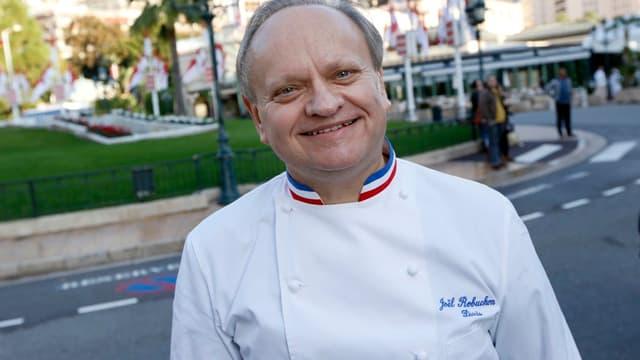 Le chef multi-étoilé français va assurer les 200.000 repas servis durant l'Euro 2016, qui se déroulera en France du 10 juin au 10 juillet.