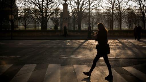 Sifflement, insulte, agression sexuelle: plus de huit Françaises sur dix (81%) ont déjà subi une forme d'atteinte ou d'agression sexuelle dans la rue ou les transports en commun