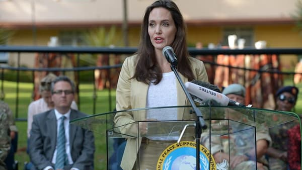 Angelina Jolie en mission pour les nations unies au Kenya.