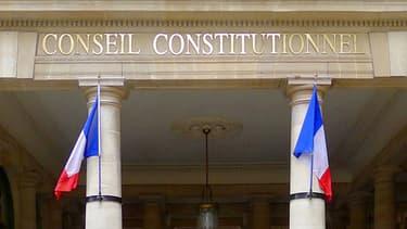 Le Conseil constituionnel valide la loi sur le mariage homosexuel.