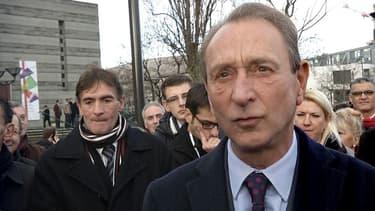 Le maire PS de Paris Bertrand en faveur de la PMA