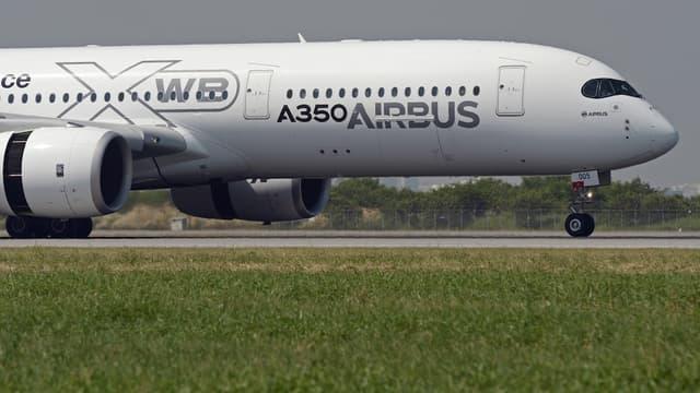 """Le """"problème"""" entre Airbus et Qatar Airways devrait être """"bientôt résolu"""", selon le président de la compagnie du Golfe"""