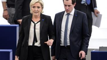 Marine Le Pen et Nicolas Bay au Parlement européen
