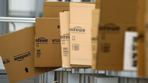 Amazon ouvre ses entrepôts américains au public.