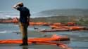 Lorsque la plate-forme pétrolière Deepwater Horizon avait explosé et sombré dans le golfe du Mexique voici un an en faisant 11 morts, les autorités américaines avaient déclaré tout d'abord qu'il n'y avait aucun écoulement de brut en mer.