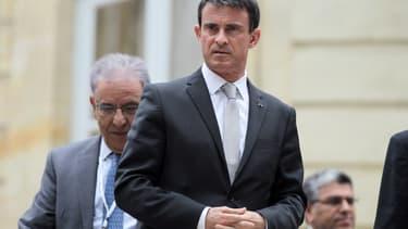 Le Premier ministre Manuel Valls dans le jardin de Matignon, le 28 mai 2015