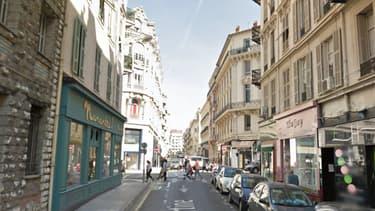 C'est dans cette rue du centre-ville de Nice que l'agression se serait produite.