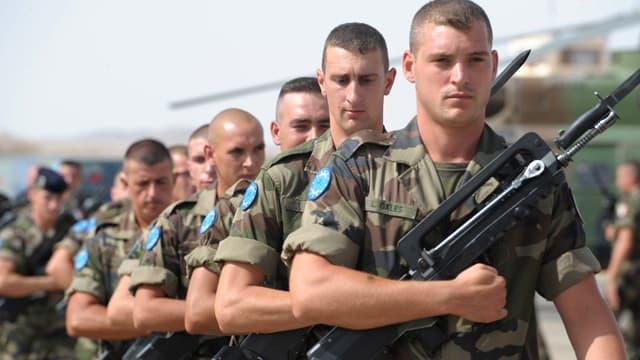 Des miliaires français stationnés sur la base de Madama au Tchad, à proximité de la frontière libyenne.
