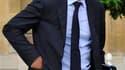 """Le porte-parole du gouvernement, François Baroin, a appelé lundi à faire barrage au Front national lors du second tour des élections cantonales prévu dimanche prochain, tout en refusant la moindre """"union"""" avec le Parti socialiste. /Photo d'archives/REUTER"""