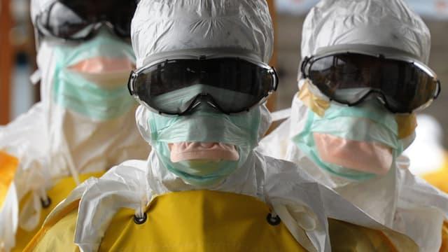 Ebola : des membres du personnel soignant au Libéria
