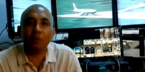 La personnalité du pilote, qui avait un simulateur de vol personnel, intrigue les enquêteurs.