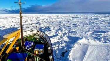 L'Akademik Shokalskiy, navire russe bloqué depuis mardi au large de l'Antarctique.