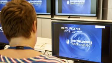 Selon Europol, le crime organisé coûte plus de 110 milliards d'euros chaque année à l'UE.