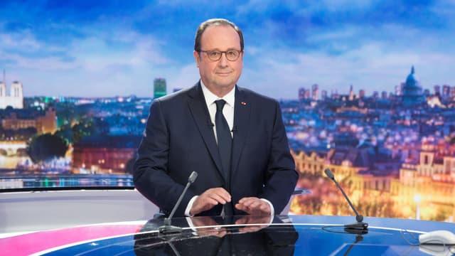 """François Hollande sur le plateau du """"20 heures"""" de France 2, le 10 avril 2018"""