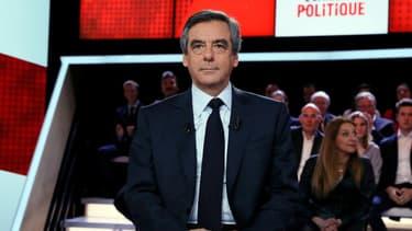 François Fillon sur le plateau de France 2.