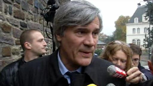 """Stéphane Le Foll a fait le déplacement vendredi en Bretagne pour une opération de """"désamorçage"""" de la crise de l'écotaxe."""