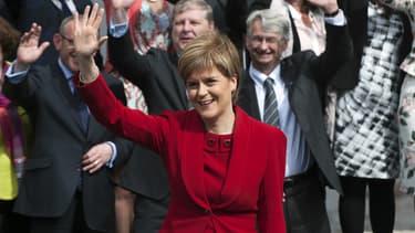 Le SNP, malgré son échec référendaire pour gagner l'indépendance de l'Ecosse, a tout de même réalisé un véritable triomphe lors des dernières élections législatives britanniques. Une phénomène que décrypte notre spécialiste en géopolitique, Harold Hyman.