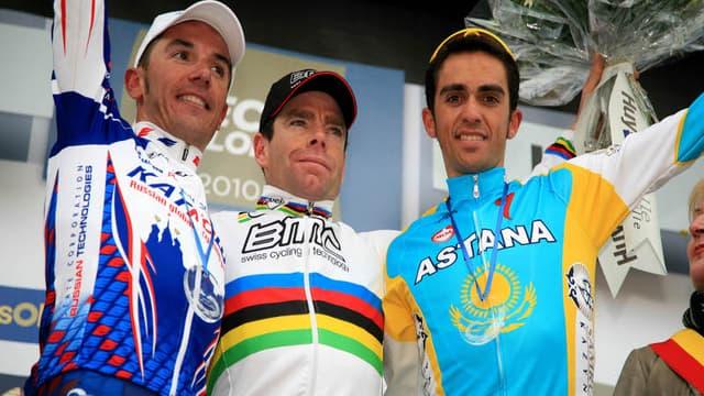 Entouré de Joaquin Rodriguez, deuxième, et Alberto Contador, troisième, l'Australien retrouve la première place d'un podium depuis le championnat du monde de Mendrisio.