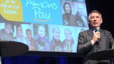 A Pau, François Bayrou ne possède qu'une courte avance sur son adversaire socialiste.