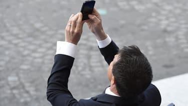 Avec la 4G, les opérateurs continuent d'offrir une couverture de la population inégale, Orange la proposant à 72% des habitants, devant Bouygues Telecom (71%), Numericable-SFR (53%) et Free (33%).