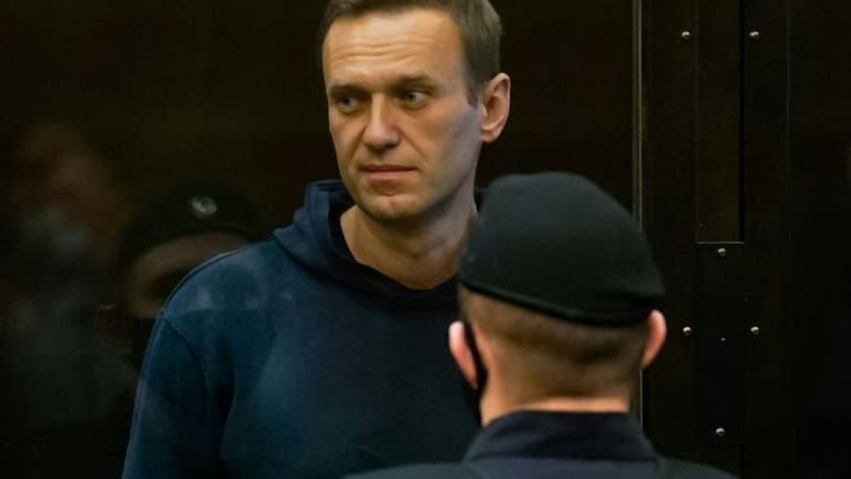 Alexei Navalny a été transféré dans un hôpital par les autorités russes et  s'inquiète pour sa santé - France News Live