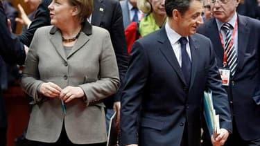 Lors du Conseil européen du 11 mars, consacré en grande partie à la situation en Libye, les divergences entre l'Allemagne d'Angela Merkel, qui refuse d'intervenir militairement contre Mouammar Kadhafi, et la France et le Royaume-Uni, ont conforté ces dern
