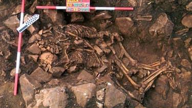 Deux squelettes préhistoriques retrouvés enlacés