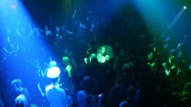 A Mulhouse, une jeune femme a passé la nuit en discothèque, laissant sa fille seule.