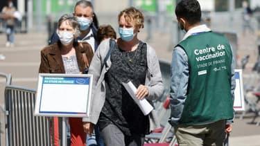 Centre de vaccination au Stade de France à Saint-Denis, dans la banlieue nord de Paris, le 23 avril 2021