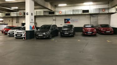 En attirant les automobilistes à la recherche de places de parking pas chères, Travelcar espère bien les convaincre de louer leur voiture.